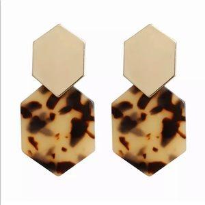 ‼️NEW‼️Gold & Cheetah Geometric Drop Earrings